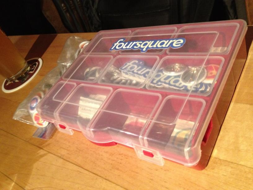 foursquareバッジの入った箱